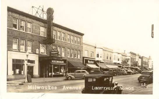 Milwaukee Ave looking south, c.1940-1949